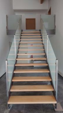 Treppe Kombo Holz, Glas, V2A